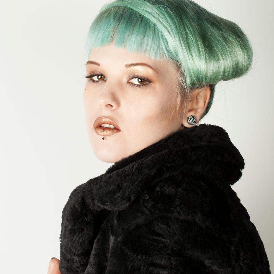 Jessica Holloway, hair
