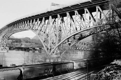 16-12 eastvan 35mm - bridge.jpg